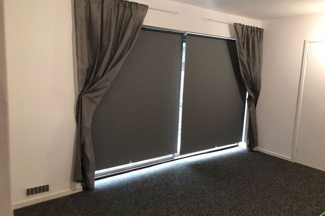 Thumbnail Flat to rent in School Street, Willenhall, Wolverhampton