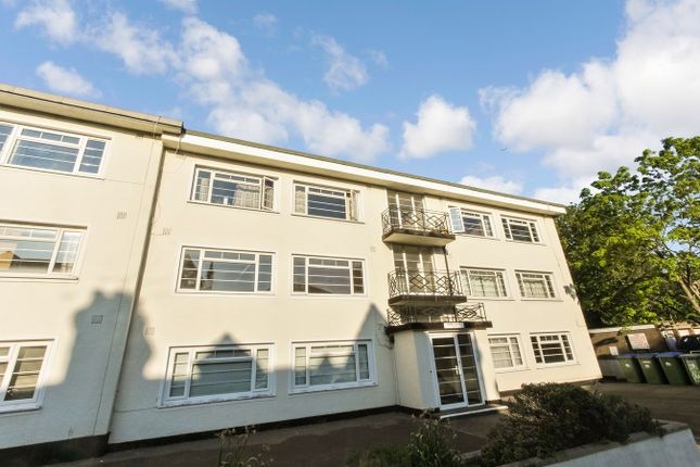 Thumbnail Flat for sale in Silverdale Road, Banister Park, Southampton