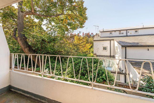 Balcony of Callow Street, London SW3