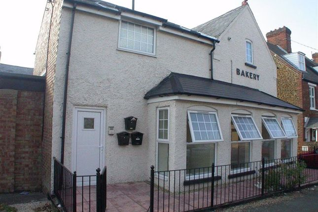2 bed flat to rent in Church Street, Hunstanton PE36