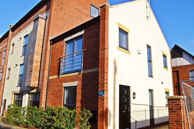 Thumbnail Mews house for sale in Lock Court, Upper Cambrian Road, Chester