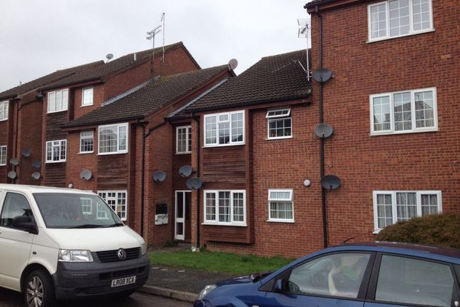 Studio to rent in St. Peters Close, Daventry NN11