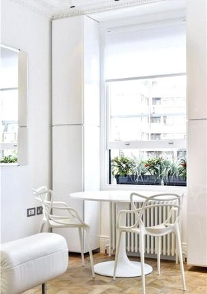 Dining Area of Ovington Garden, Knightsbridge, London SW3
