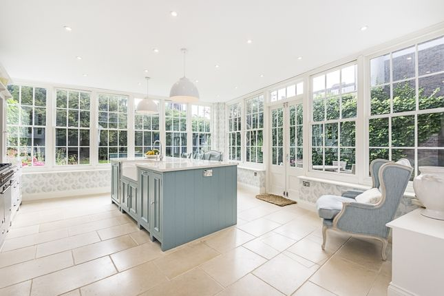 Thumbnail Detached house to rent in Old Town, London