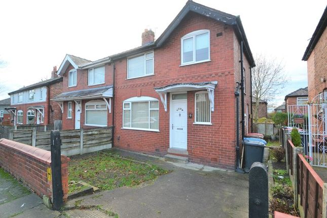 Thumbnail Semi-detached house to rent in Overlinks Drive, Salford