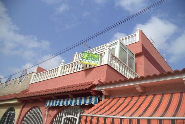 3 bed bungalow for sale in Avenida Justo Quesada, Los Alcázares, Murcia, Spain