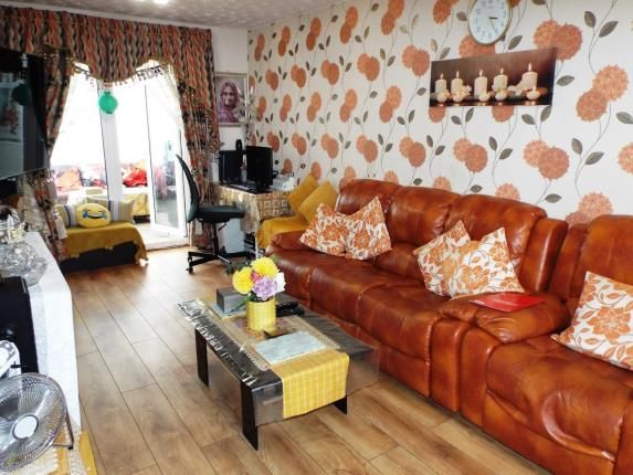 Living Room of Aydon Road, Luton, Bedfordshire LU3