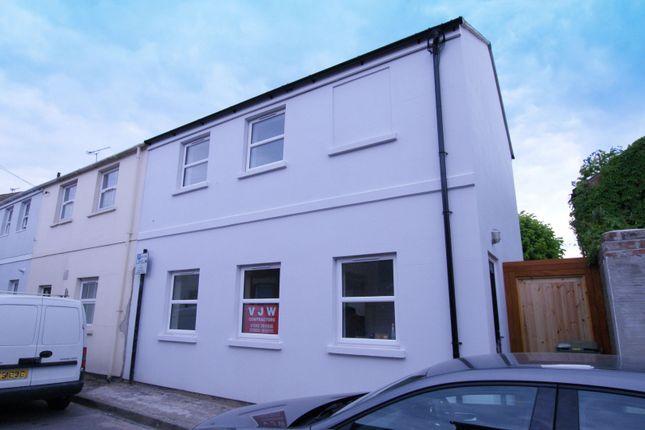 Thumbnail Room to rent in Upper Bath Street, Cheltenham