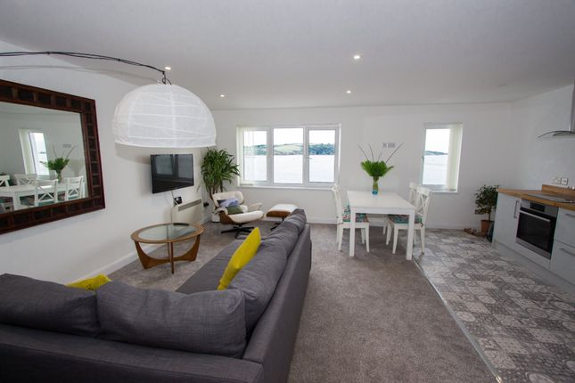 Thumbnail Flat to rent in Grand Parade, Plymouth
