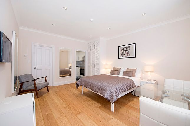 Studio to rent in Inverness Terrace, Bayswater, London