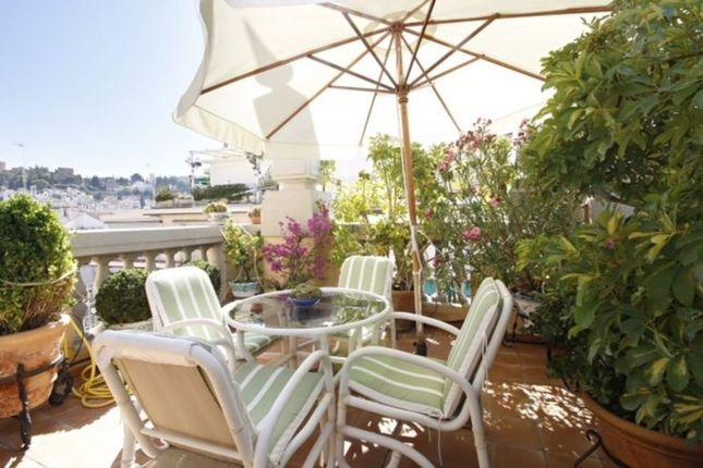 2 bed apartment for sale in Granada, Spain