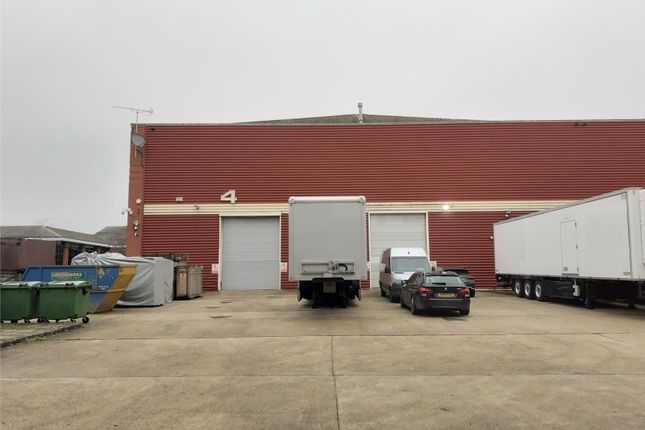 Thumbnail Warehouse to let in Unit 4 Warehouse, S C House, Vanwall Road, Maidenhead, South East