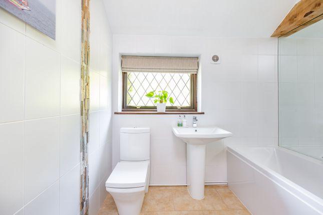 Family Bathroom of Fawkham Green Road, Fawkham, Longfield DA3