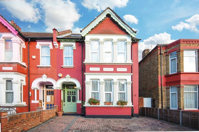 Thumbnail Flat for sale in Talbot Road, Wembley
