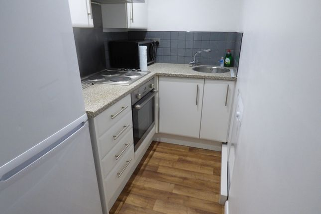 Thumbnail Flat to rent in Northlands Drive, Winchester