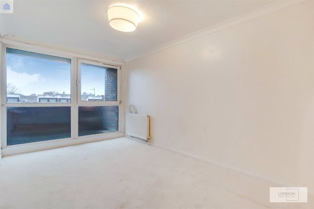 Thumbnail Flat for sale in Fordcombe, Queens Crescent, London