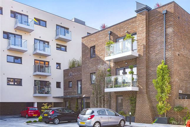 Thumbnail Flat for sale in Hollyoak House, 256 High Road, Loughton, Essex