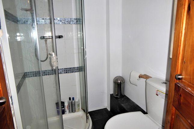 Shower Room of Bryn Cottages, Pontyrhyl, Bridgend, Bridgend County. CF32