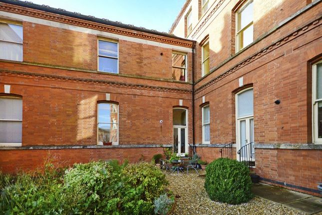 Thumbnail Flat for sale in Greenwood House, Charlton Down