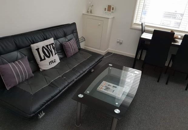 Thumbnail Flat to rent in Fratton Road, Portsmouth