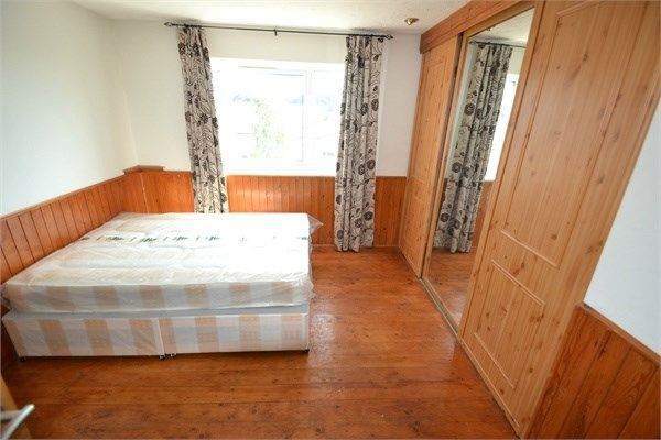 Flat to rent in Avon Way, Colchester
