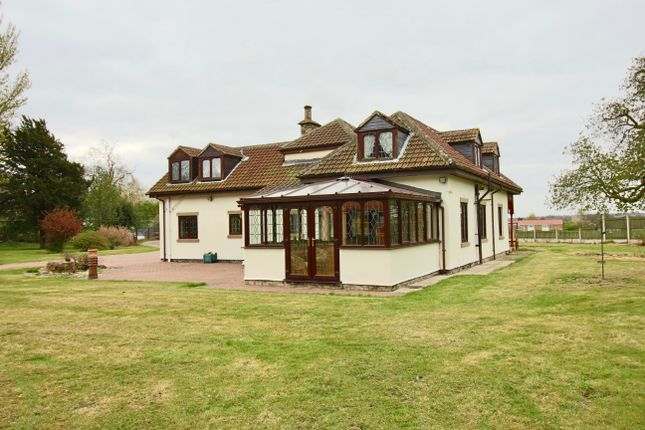 Thumbnail Cottage for sale in Lodge Road, Carcroft, Doncaster