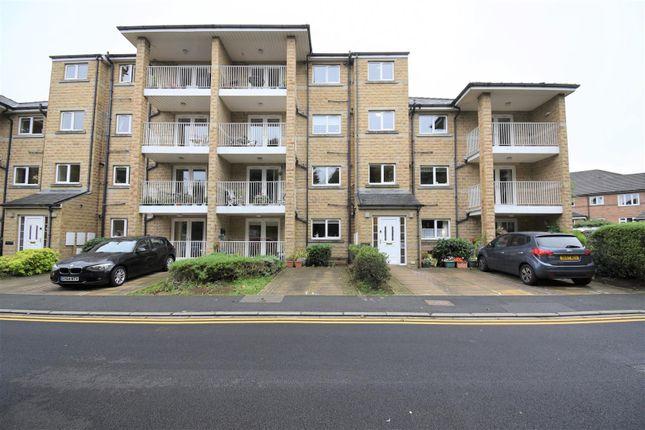 2 bed flat for sale in Moor Hill Court, Laund Road, Salendine Nook, Huddersfield HD3