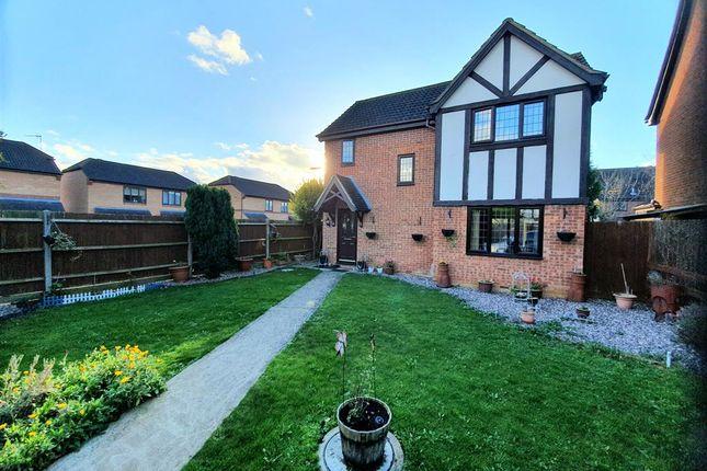3 bed detached house for sale in Ryeburn Way, Wellingborough NN8