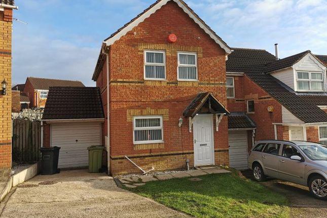 3 bed semi-detached house to rent in Marled Close, Heckmondwike WF16