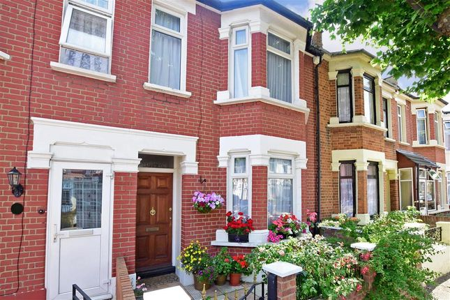 Thumbnail Terraced house for sale in Springfield Road, London