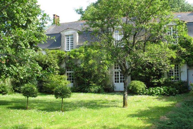Thumbnail Property for sale in Mauves-Sur-Loire, Pays-De-La-Loire, 44470, France
