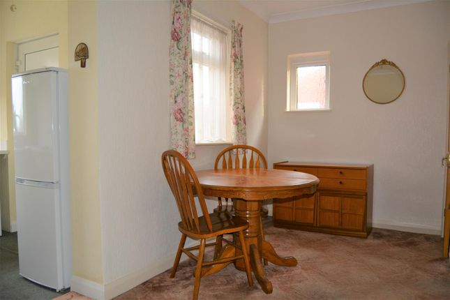Dining Area of Stanley Road, Ainley Top, Huddersfield HD3
