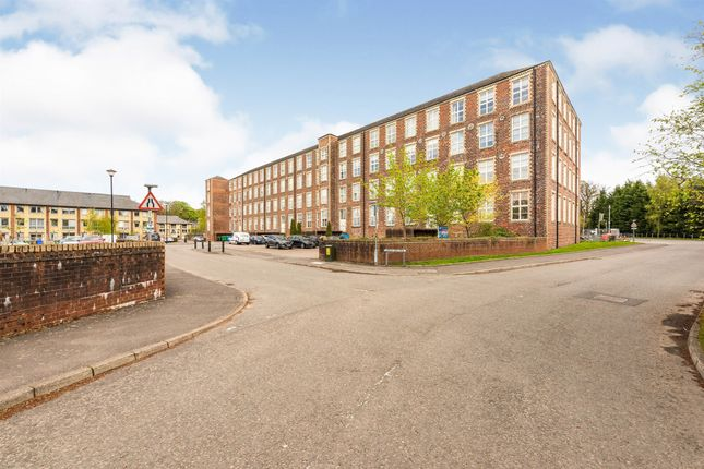 Thumbnail Flat for sale in Woolcarder's Court, Cambusbarron, Stirling