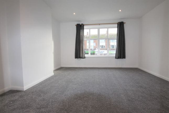 2 bed flat to rent in Goring Road, Goring-By-Sea BN12