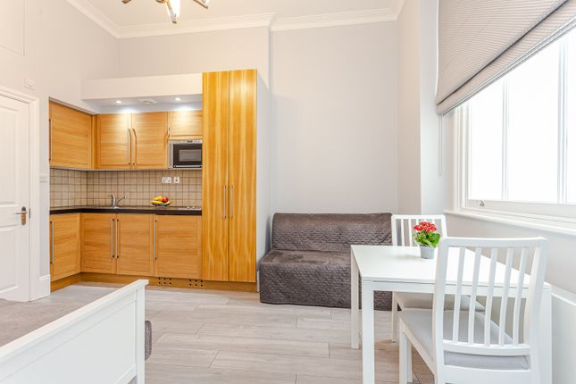 1 bed flat to rent in Cleveland Gardens, London W2