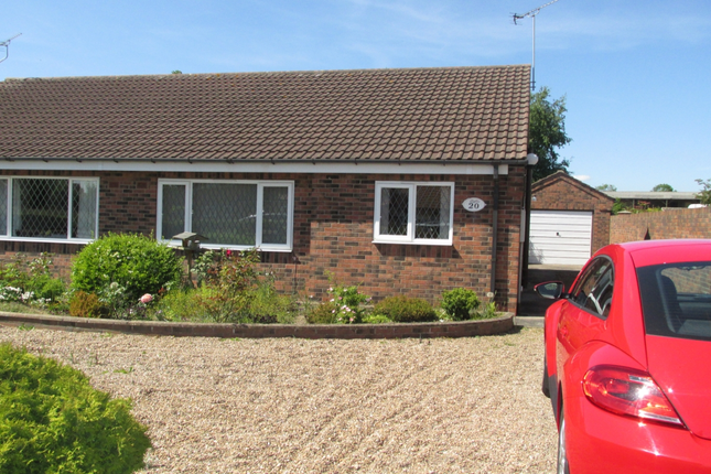 Thumbnail Bungalow to rent in Field Road, Crowle, Scunthorpe