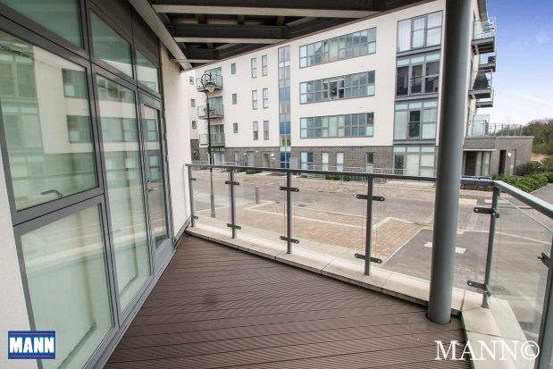 Thumbnail Flat to rent in Darbyshire House, Greenhithe, Kent