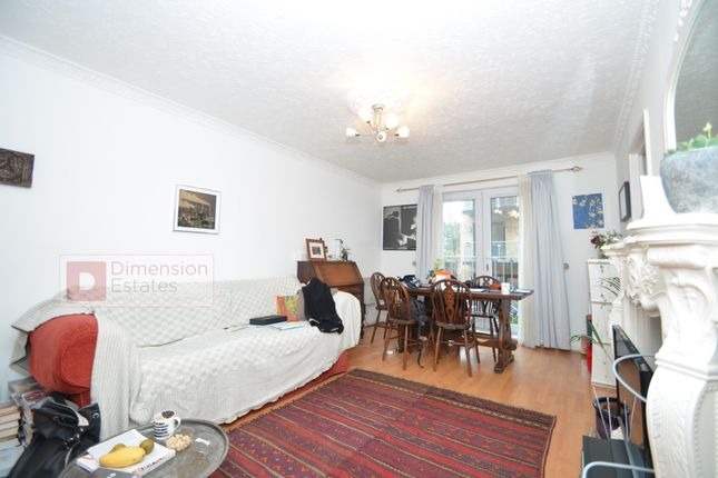 Thumbnail Flat to rent in Globe Road, Bethnal Green, East London