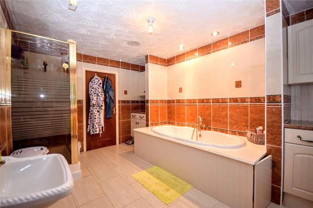 Bathroom of Bank End, North Somercotes LN11