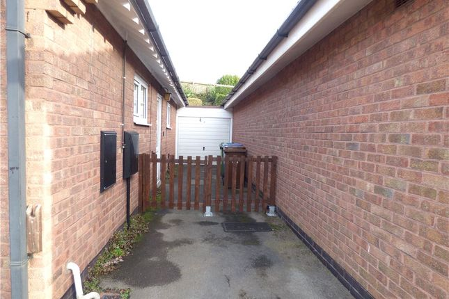 Picture No. 23 of Adrians Close, Mansfield, Nottinghamshire NG18
