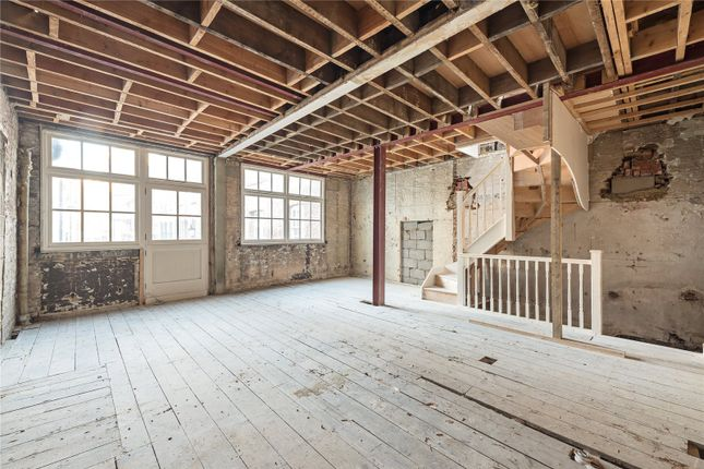 Thumbnail Property for sale in Bourlet Close, London