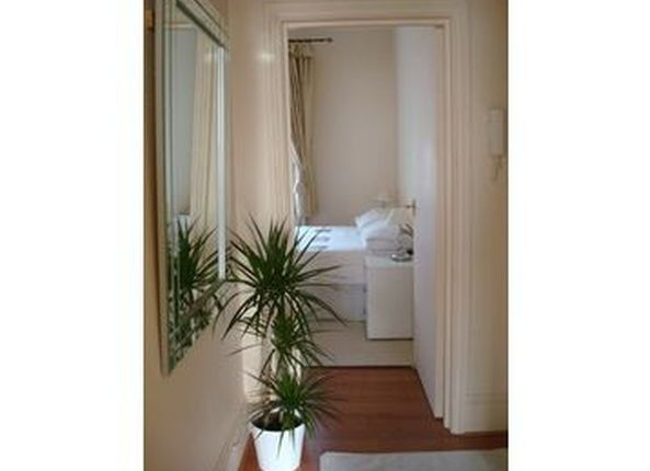 Flat to rent in Warwick Rd, Earl's Court