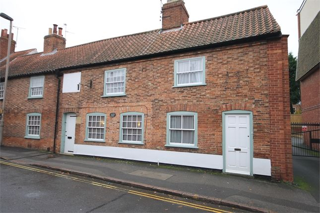 Thumbnail Property for sale in Millgate, Newark, Nottinghamshire.