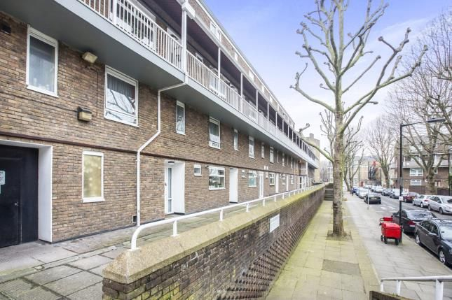 Thumbnail Flat for sale in Poplar, London, England