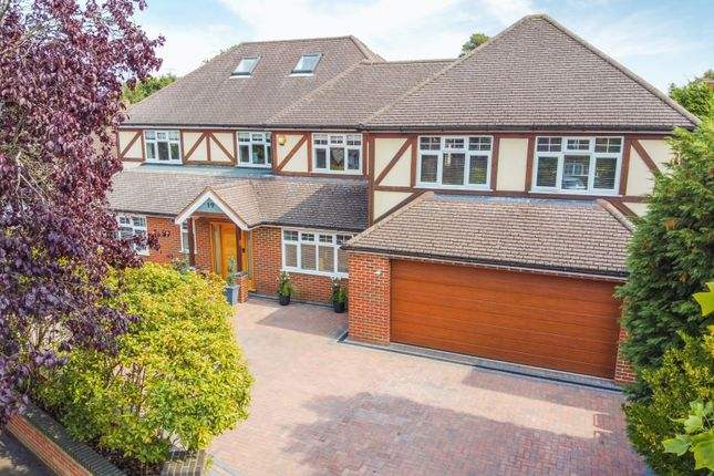 Thumbnail Detached house for sale in Woodside Ave, Walton-On-Thames