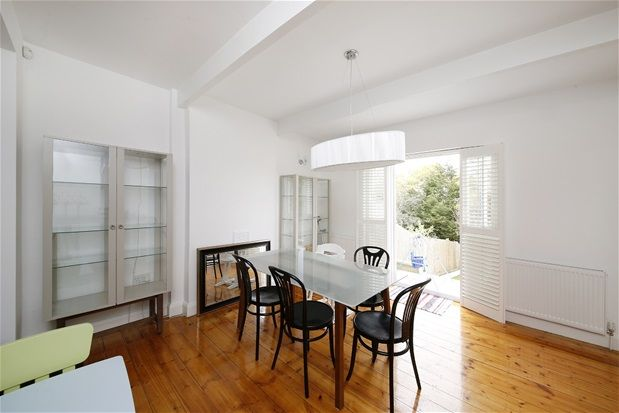 4 bed property to rent in Downsview Road, London
