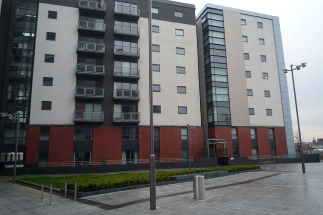 Thumbnail Flat to rent in Meadowside Quay Square, Glasgow