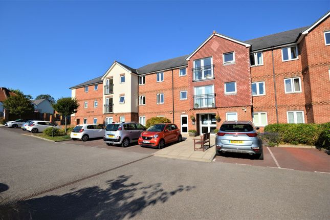 2 bed property to rent in Stanley Road, Folkestone CT19