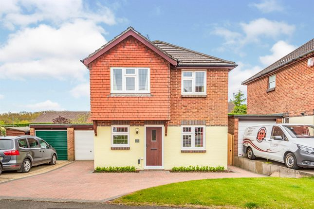 Thumbnail Detached house for sale in Cranston Way, Crawley Down, Crawley