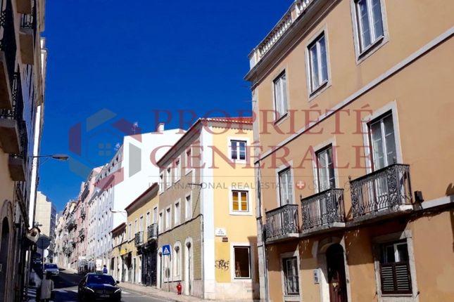 Block of flats for sale in Santo António, Lisboa, Lisboa